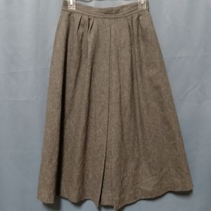 🌻Gray A line skirt with pockets!🌻